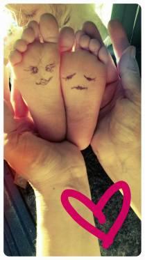 kiki feet